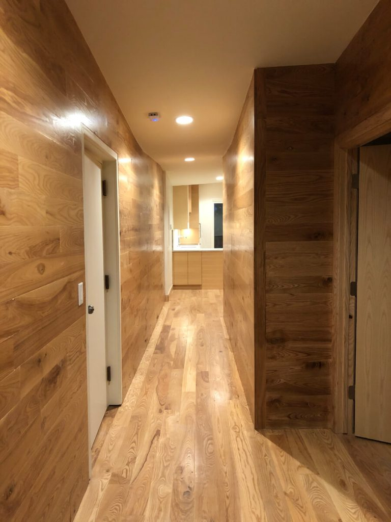 Sandy Condo Remodel Entry Hallway