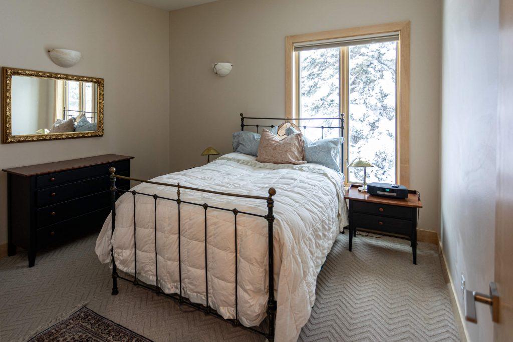 Sandy Condo Remodeler for Bedroom