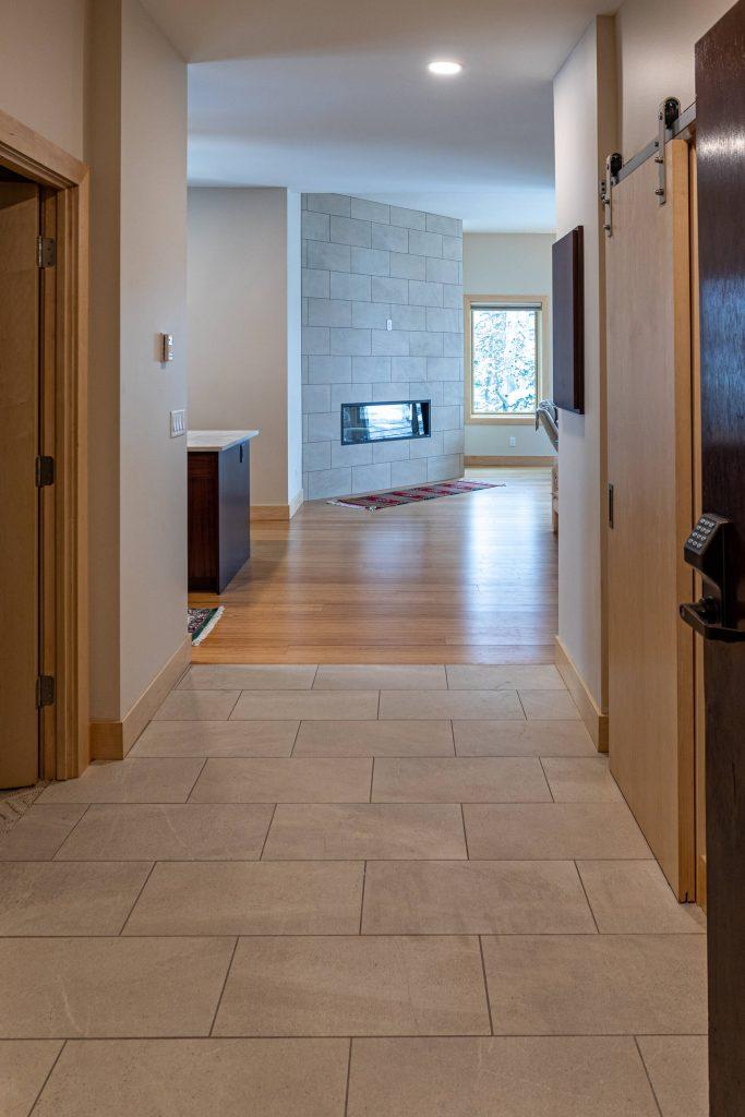 Sandy Condo Remodeler for Entry Way in Alta