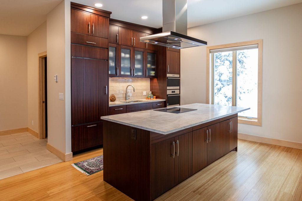 Sandy Kitchen Remodeler for Sapele Mahogany Cabinets